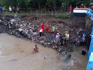 Jembatan Kemiri Rawan Ambruk